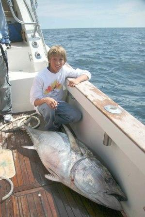 Tuna Hunter Fishing